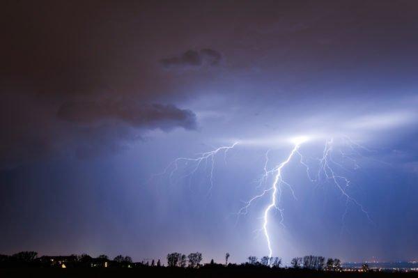 Wetterfotografie: Von Nebel, brennendem Himmel und Gewittern – Bastian Werner